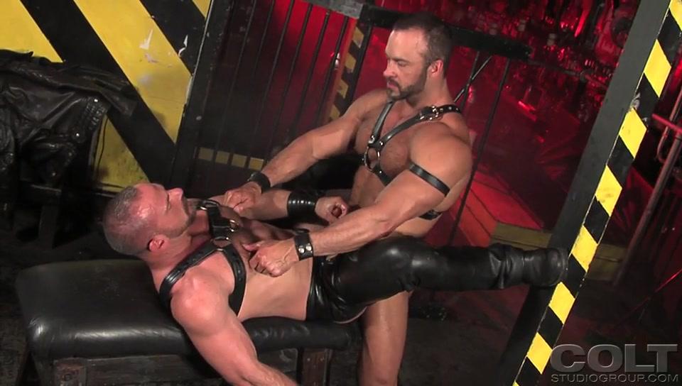 Nate Karlton & Samuel Colt - Muscles In Leather, Scene 3